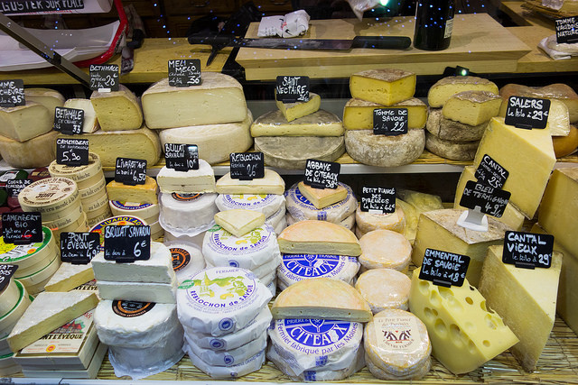 Enjoy Wine, Cheese and Other Delicacies at Cheesetique