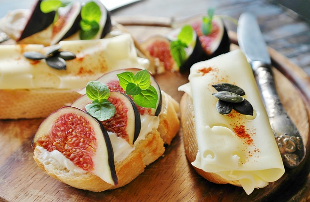 Pair Fine Wine With Gourmet Cheese at Cheesetique